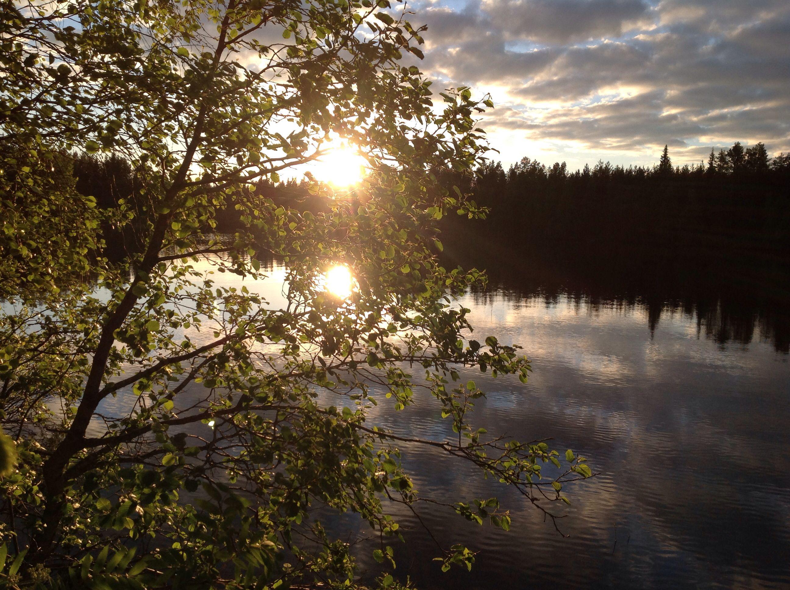 Yöttömän yön aurinko Kuusamo