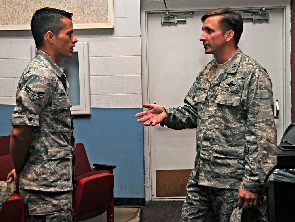 All sizes | Airman meets Wing Commander | Flickr - Photo Sharing!