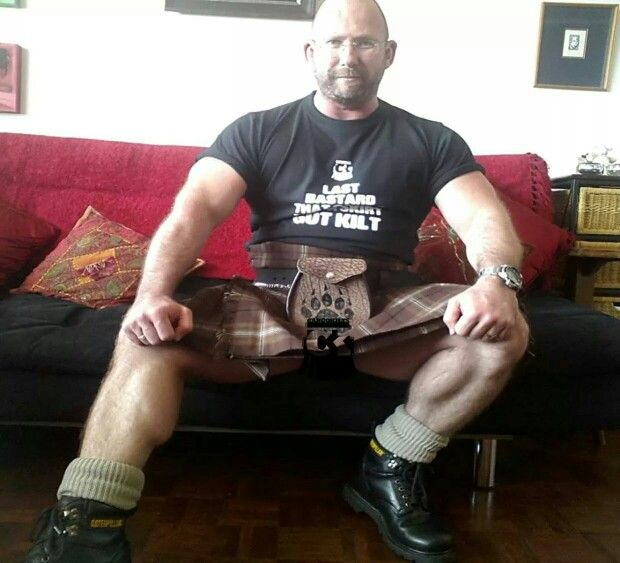 Bearded Muscle In Brown Kilt | Men In Kilts | Pinterest | Kilts : men in quilts - Adamdwight.com
