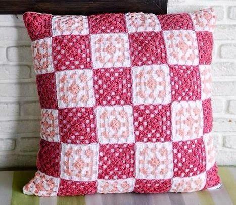 Cojines tejidos a crochet con gráficos para imprimir   Pinterest ...