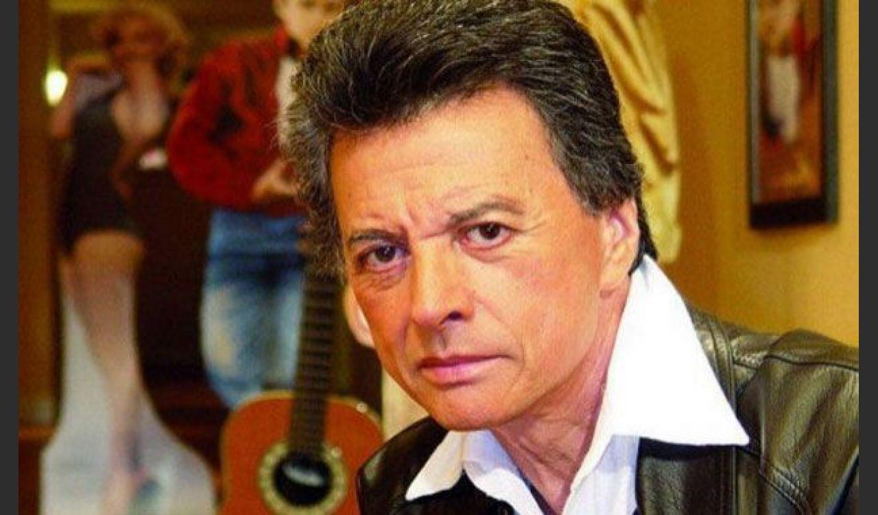 Ramón Bautista Ortega, más conocido como Palito Ortega, es un cantautor, actor, productor discográfico, director de cine y político argentino.