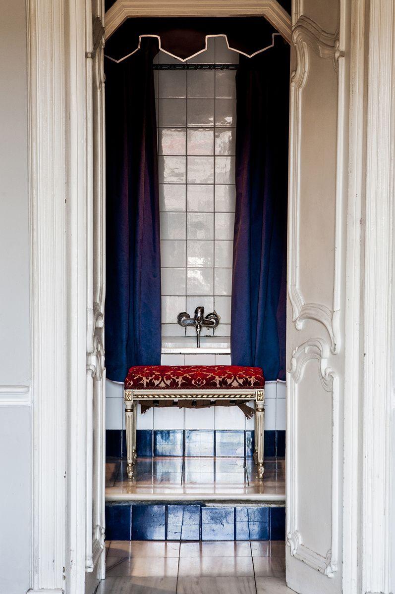 Casa del interiorista Rafa Gil | Cortinas en azul marino ...
