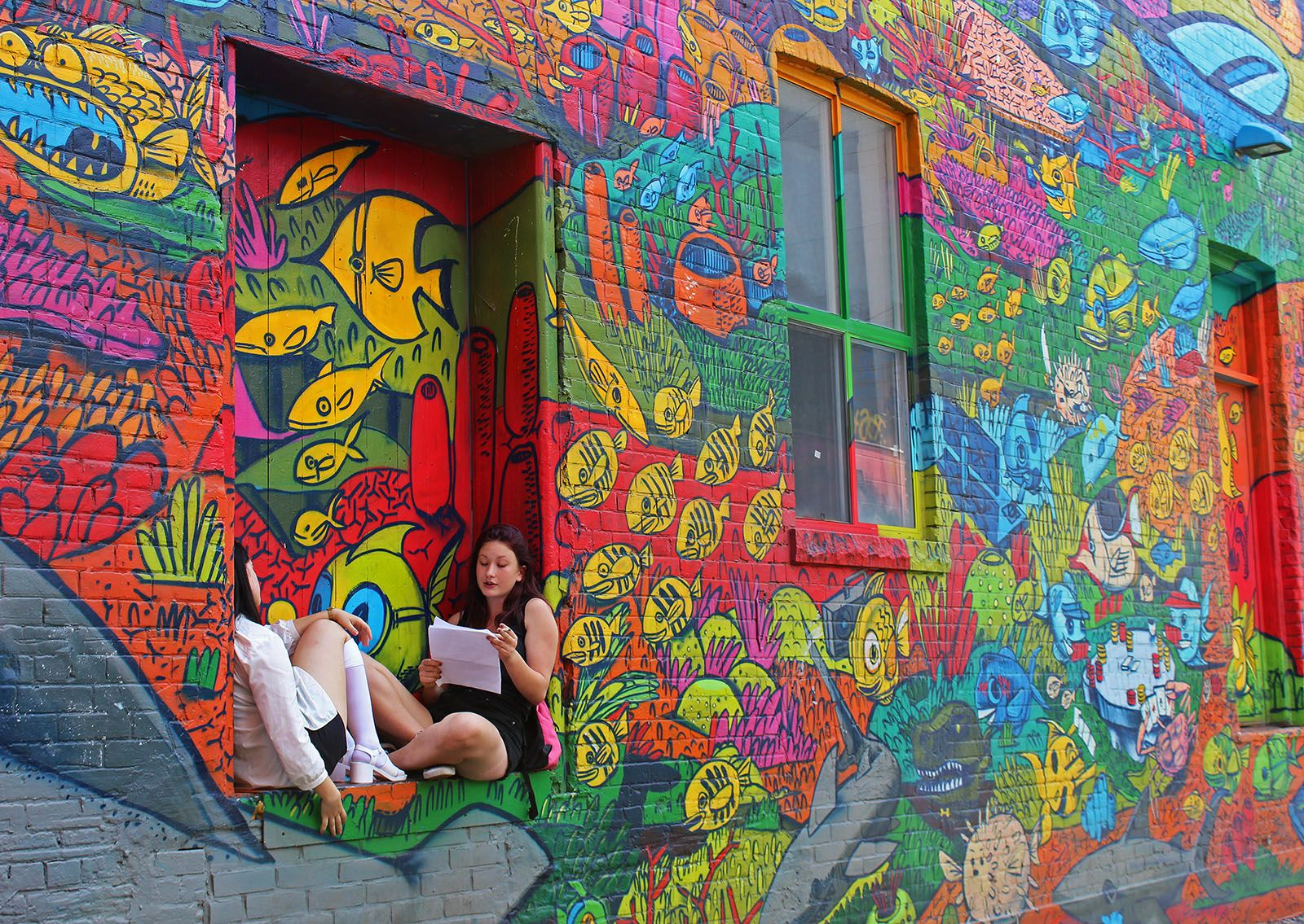 Discovering toronto street art in graffiti alley with tour guys a free tour for the summer of 2015 amazing street art murals and graffiti in the city