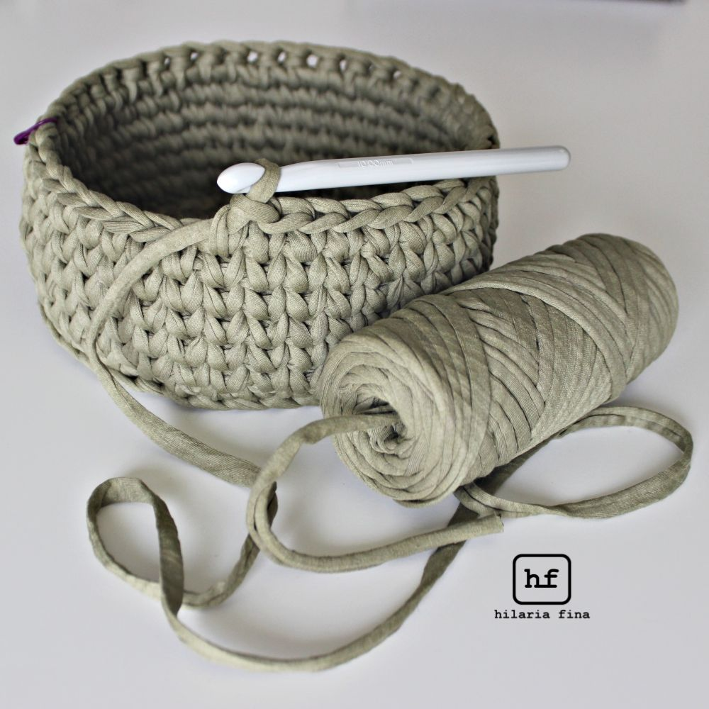 Knitting Basket Yarn : Crochet basket with t shirt yarn u hilariafina http