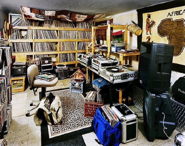 Bedroom Rockers Djs And Their Bedrooms Livingrooms - Wohnzimmer Dj