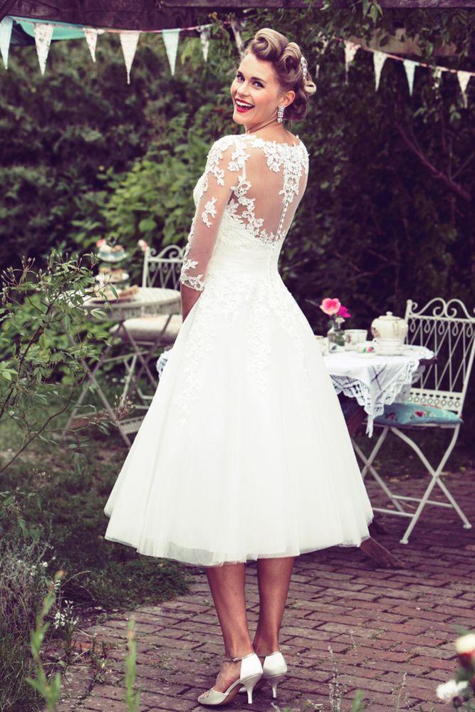 It S No Secret That Rock N Roll Brides Love Short 1950s Style Prom Wedding D Lace Wedding Dress With Sleeves Tea Length Wedding Dress Short Lace Wedding Dress