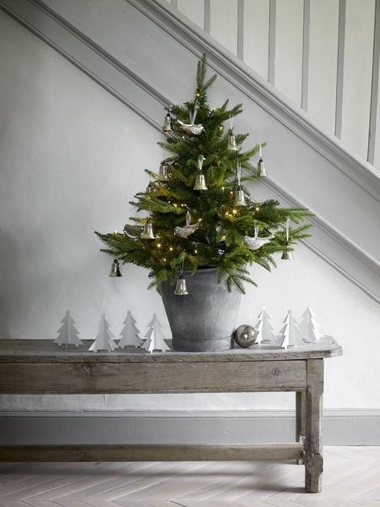 foto: prachtige sfeer voor brocante kerst. mooie oude brocante
