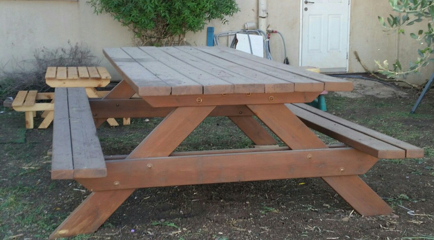 Huge Picnic Table For Diners And More עבודות עצמאיות - Huge picnic table