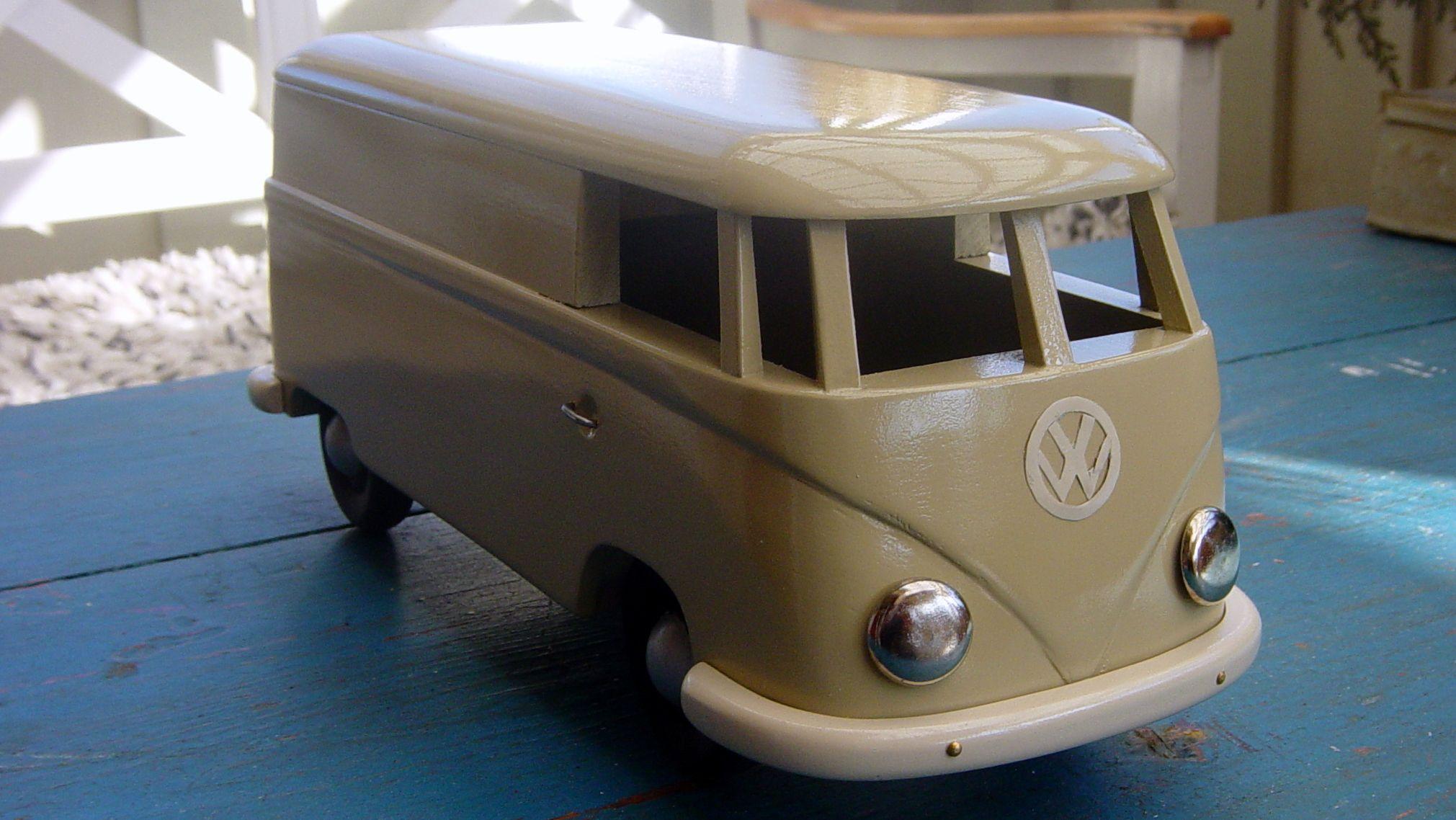 VW Kleinbus -pakettiauto