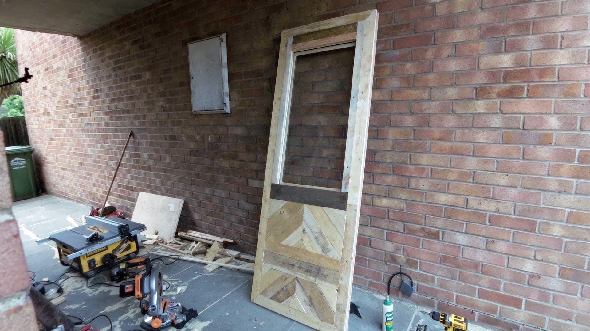 Pallet wood door and frame   Barn doors sliding, Sliding ...