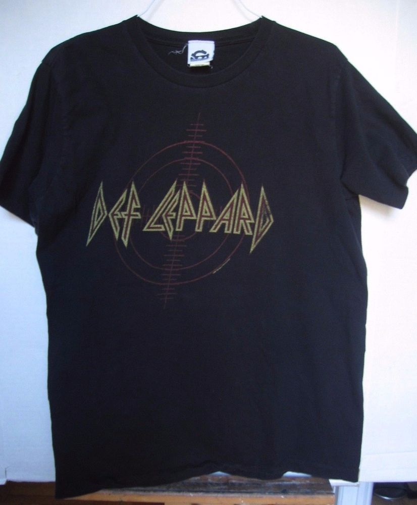 Def Leppard Rock Band Vintage Logo Men/'s T Shirt Metal Album Concert Tour Merch