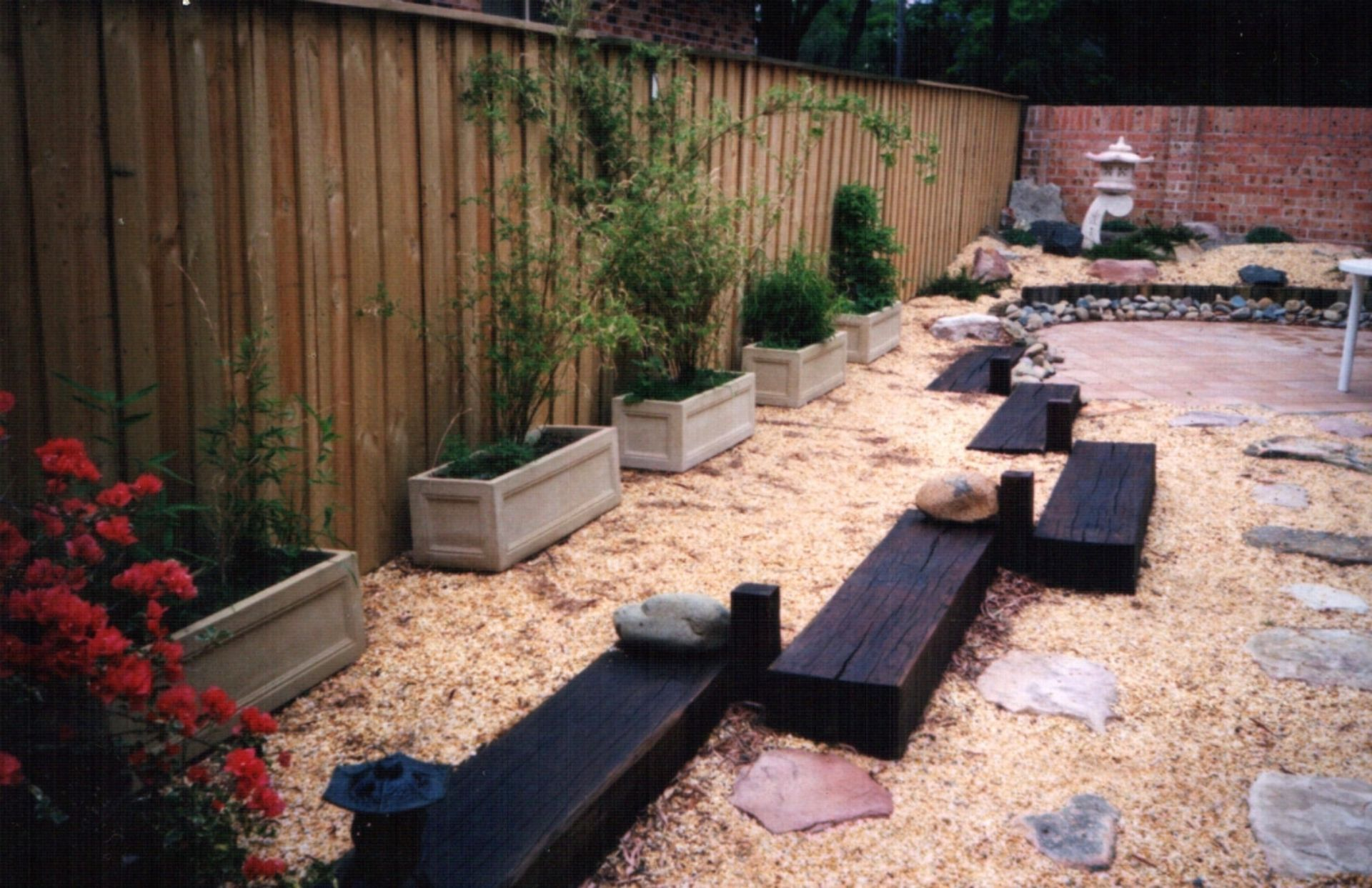 cheap backyard ideas no grass | Small front yard ... on Cheap No Grass Backyard Ideas id=66095