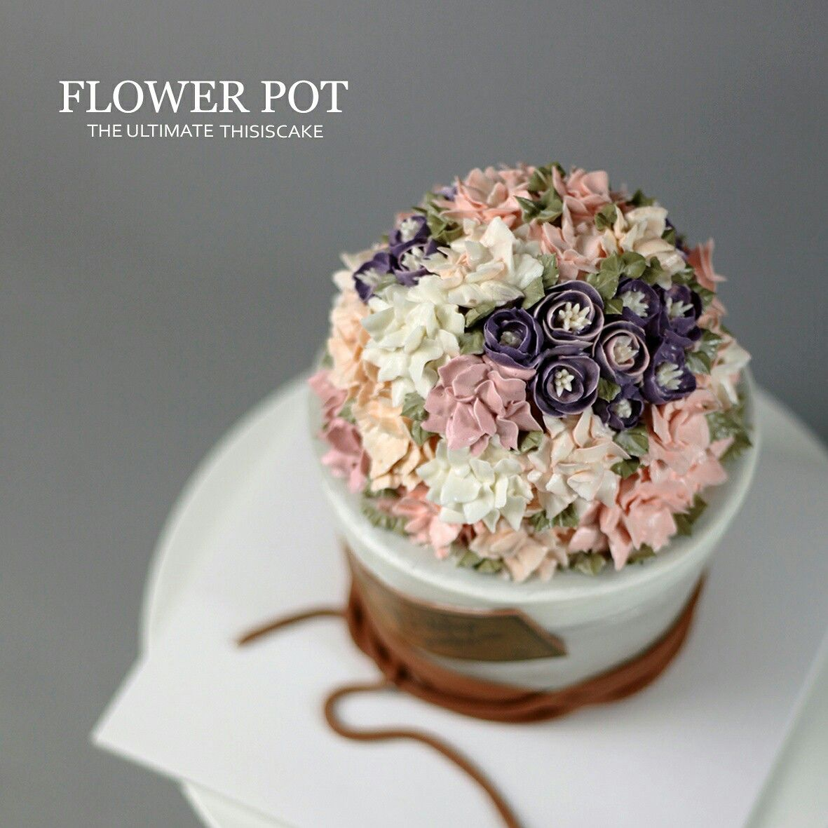 "Flower cake made with buttercream  《Class inquiry》 kakotalk : thisiscake whatsapp : 82 1051710561 http://www.thisiscake.co.kr thisiscake@naver.com  네이버 블로그를 이용해주세요~"" 검색창에 ""디스이즈케이크""  #charactercake #cakeclass #thisiscake #koreanstylecake #3dcake #cakemodeling #cakedesign #디스이즈케이크 #케릭터케이크 #3d입체케이크 #buttercreamcakes #watercolor #flowerbucket #flowercake        ."