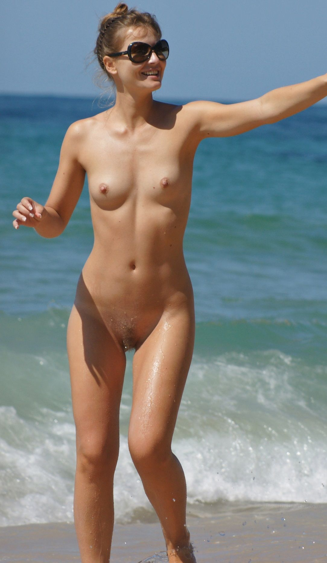 nude beachgirls