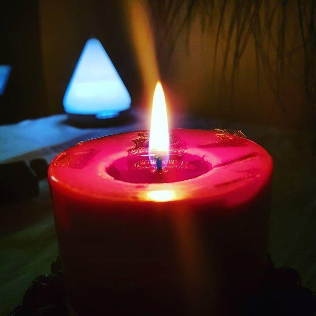 Buen día! Luz y aromas deñicadas para tu día. @sindamanoyhttps://www.instagram.com/p/BX2sJO7gVMY/