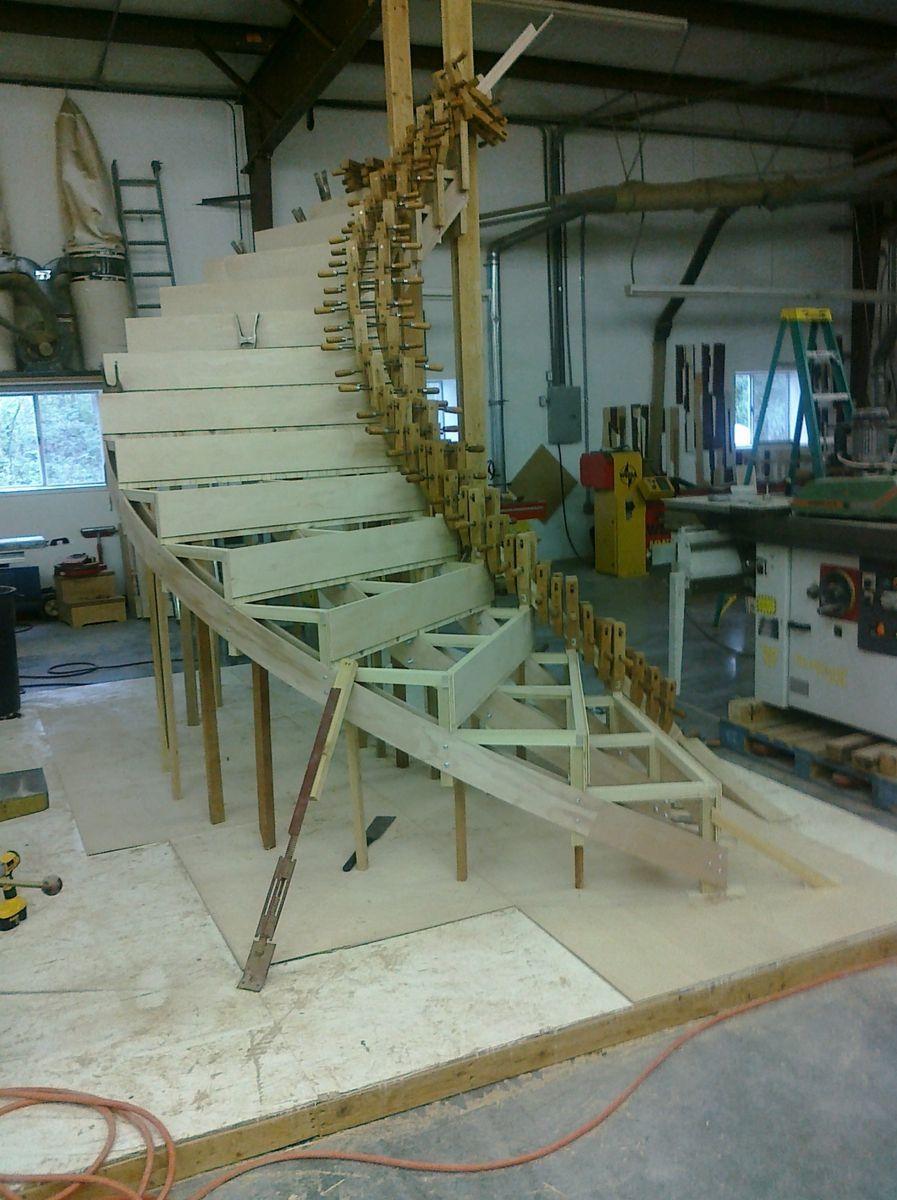 Best Custom Made Contemporary Curved Stair Escaleras Modernas 400 x 300