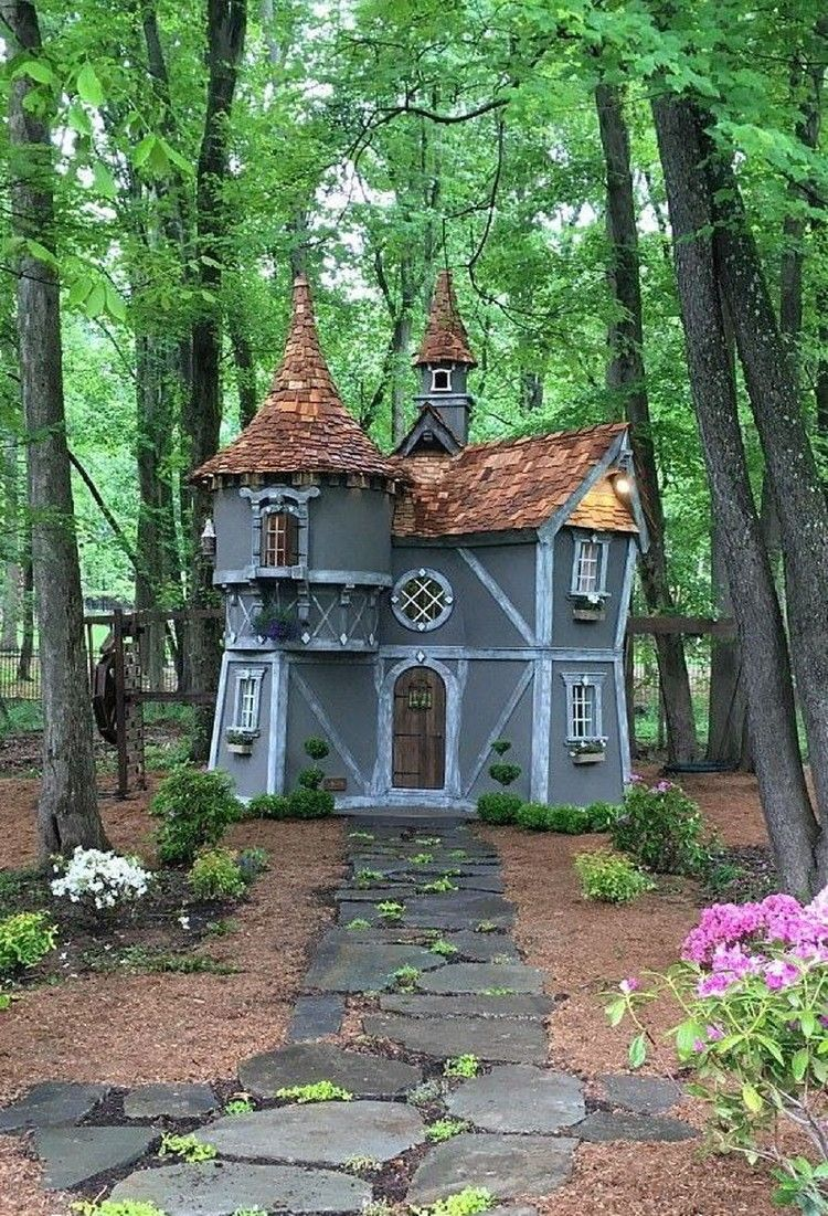 38 Beautiful Charmed Playhouses Design Ideas For Your Kids ...