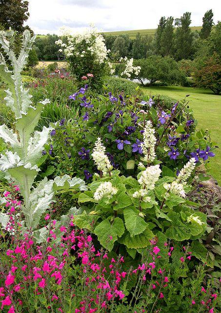 Garden Ngs Near Salisbury Beautiful Flowers Garden Beautiful Gardens Garden Design