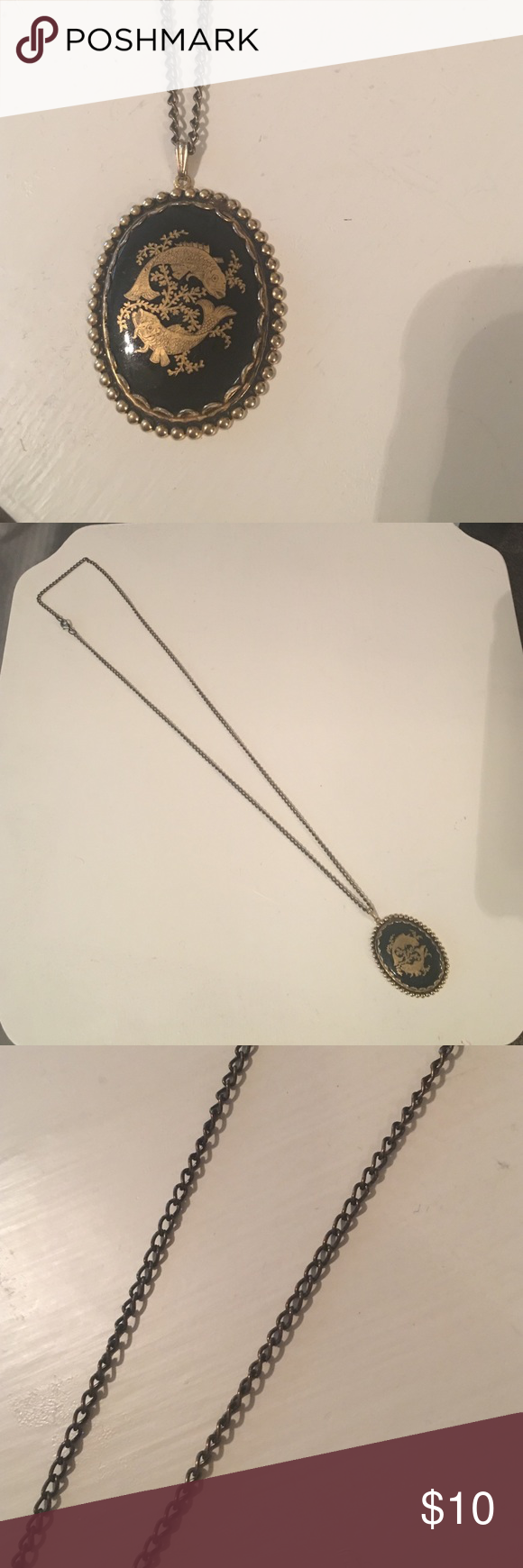 Vintage Pendant Necklace Antiqued gold, vintage necklace. Vintage Jewelry Necklaces