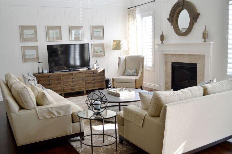 Fernseher Vor Fenster Aufstellen Tv Gerät Im Wohnzimmer Couch Design Kommode Bilder Ka Living Room Design Layout Livingroom Layout Living Room Furniture Layout