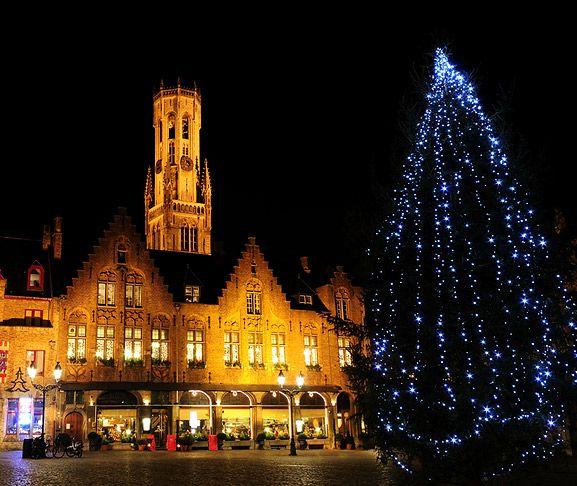 Bruges Christmas Market.Christmas Tree In Bruges For The Christmas Market Brugge
