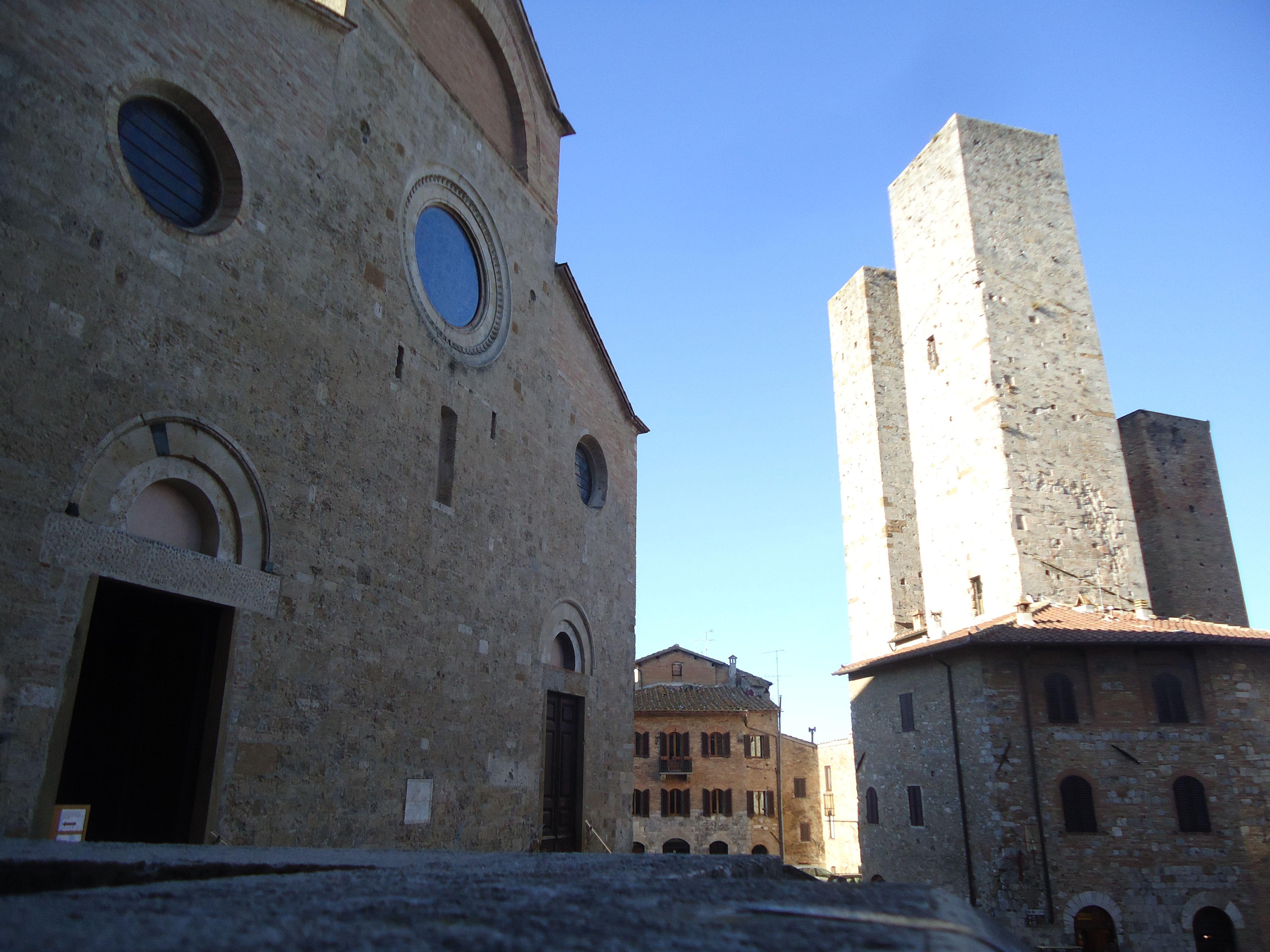 Duomo e torri gemelle a San Gimignano, A 2 km. dall'agriturismo Polveraia