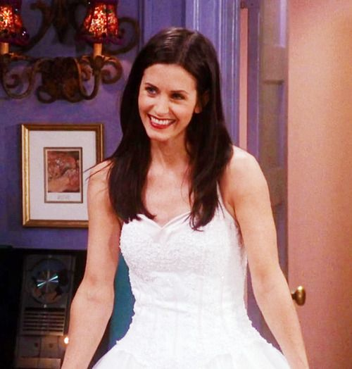 Seriously, I think this wedding dress was THE ONE for her, not the one she wore at the wedding.
