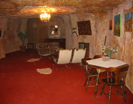 underground cave home. 6 Comfy Cave Homes  Average daily temperature South australia and