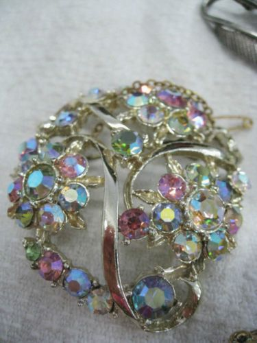 Lot-of-12-vintage-brooches-crystal-faux-pearl-figural-floral-1960s-to-1980s
