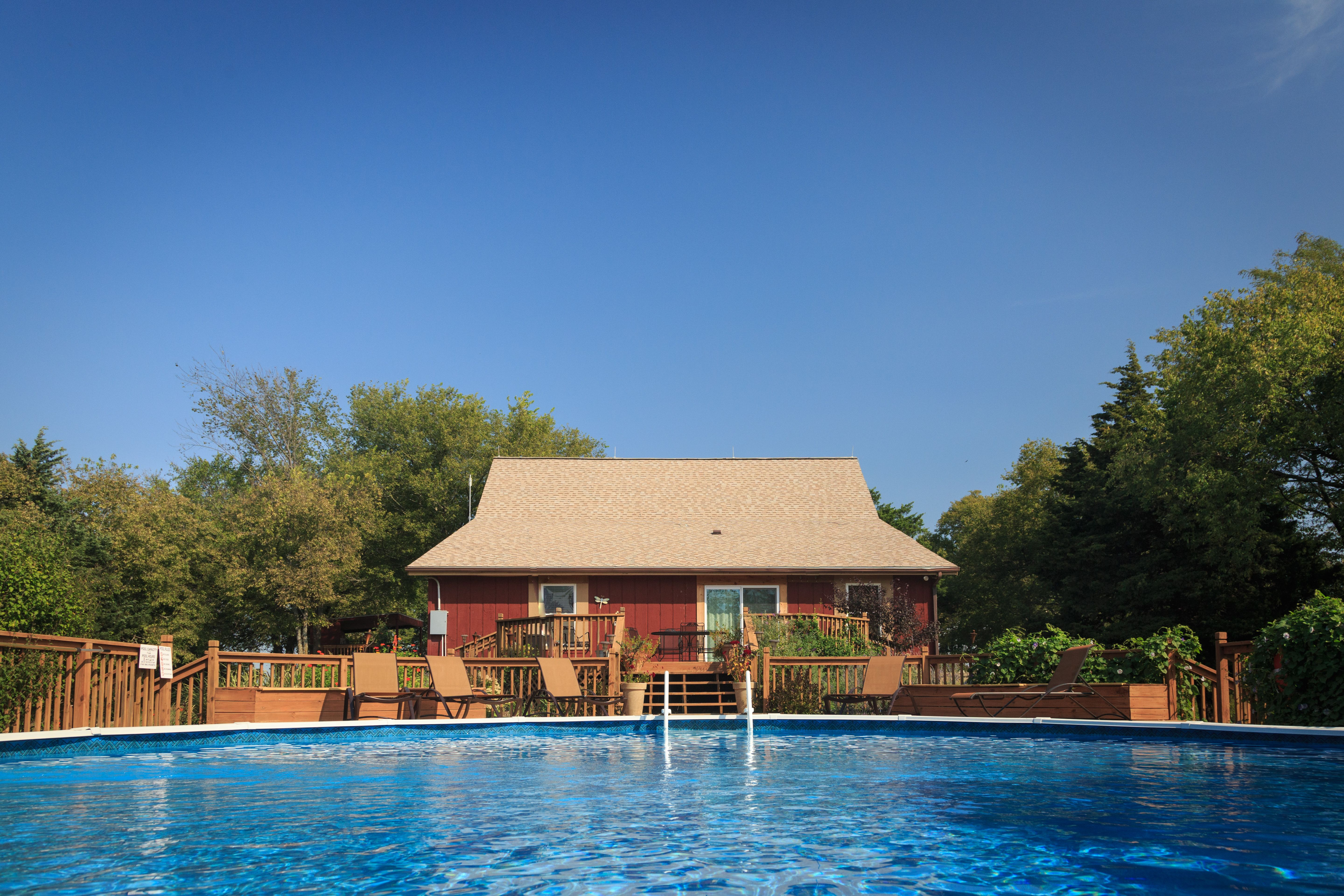Poolside at Cedar Crest Lodge bed and breakfast in