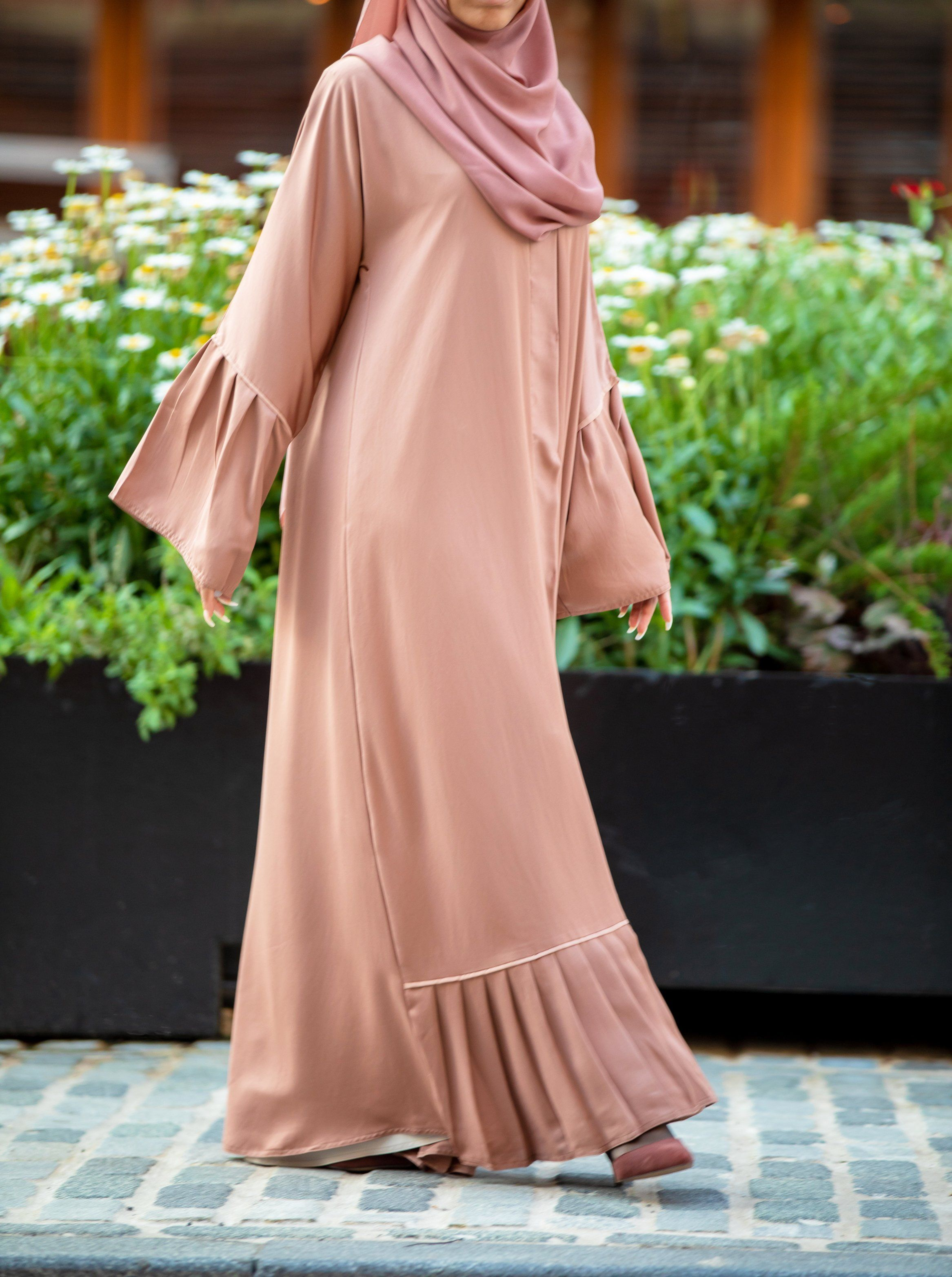 Sofia Abaya  Abayas fashion, Muslim fashion outfits, Abaya fashion