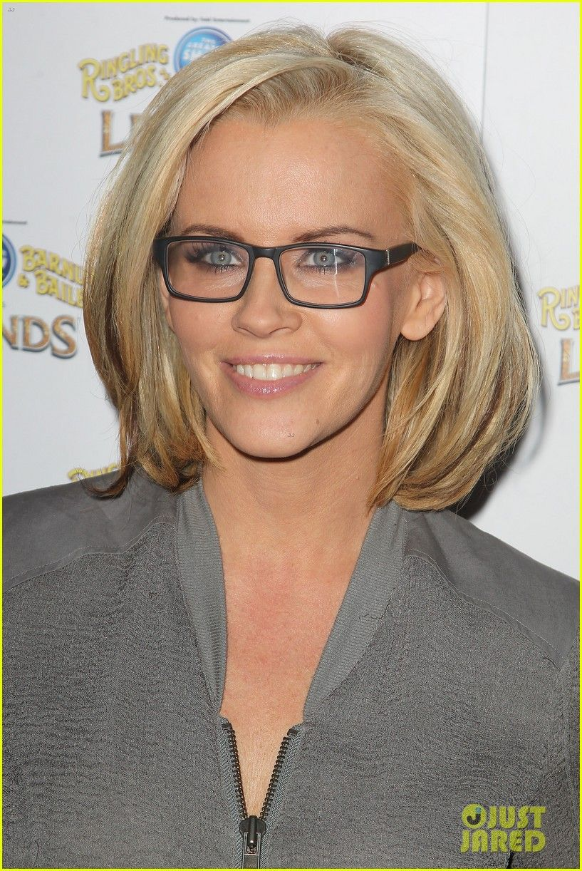 I Cant Stand Jenny Mccarthy But I Love The Blonde Bob Square