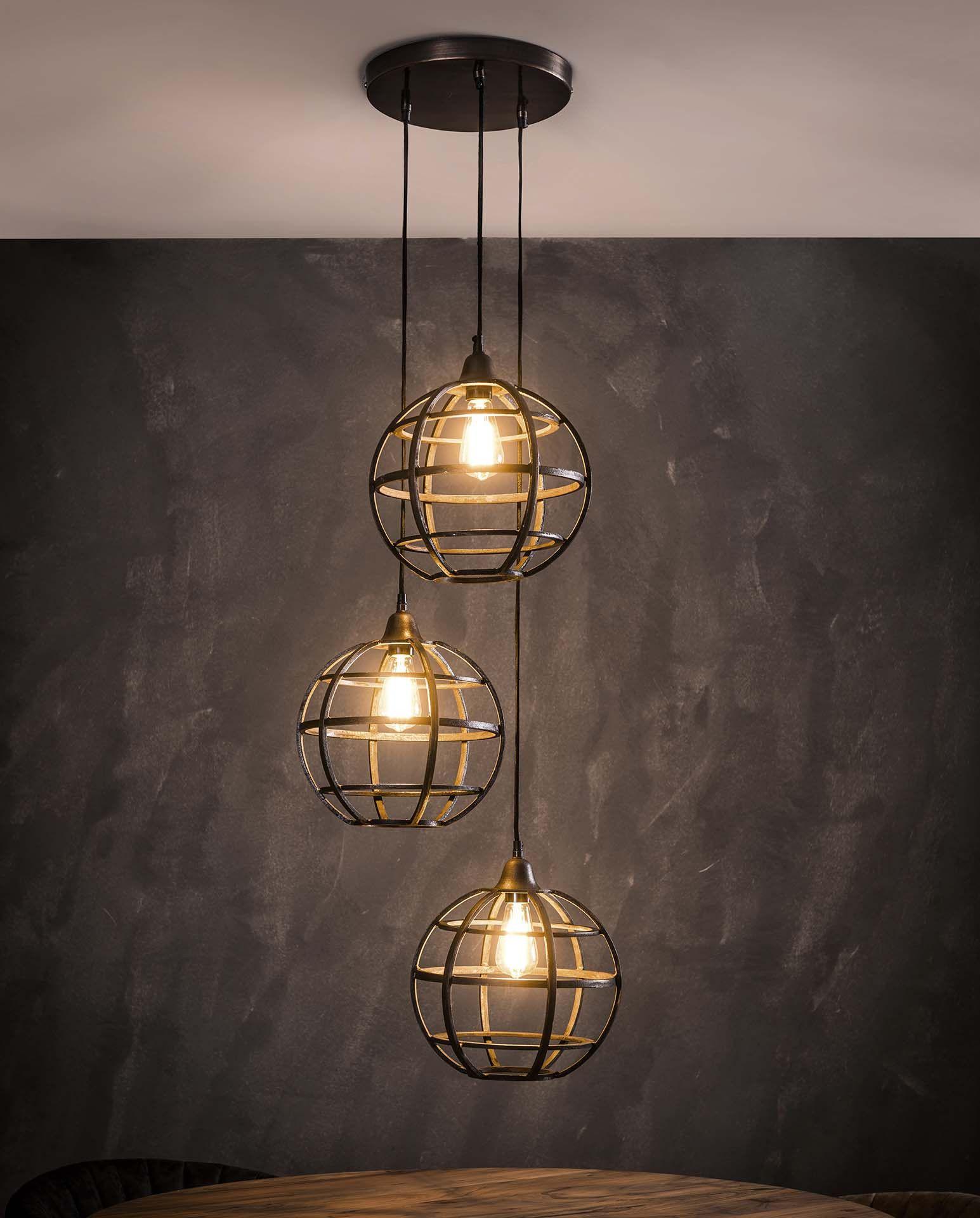 Hanglamp Globus 3xo33 Met 3 Lampenkappen Op Verschillende Niveaus Hanglamp Industriele Hanglampen Plafondlamp