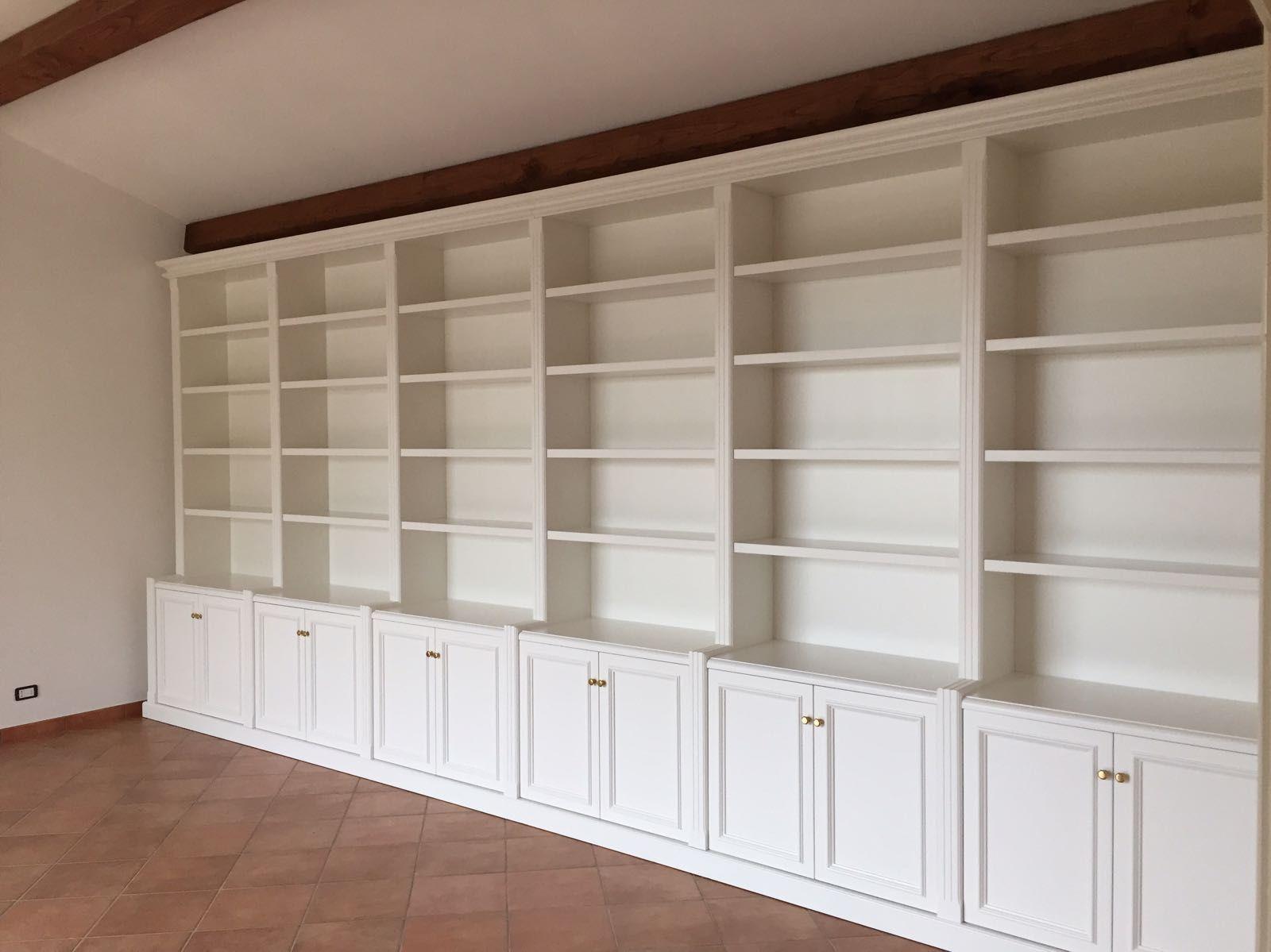 Librerie Componibili Per Mansarda.Librerie In Legno Roma Librerie Home Decor Shelves E Decor