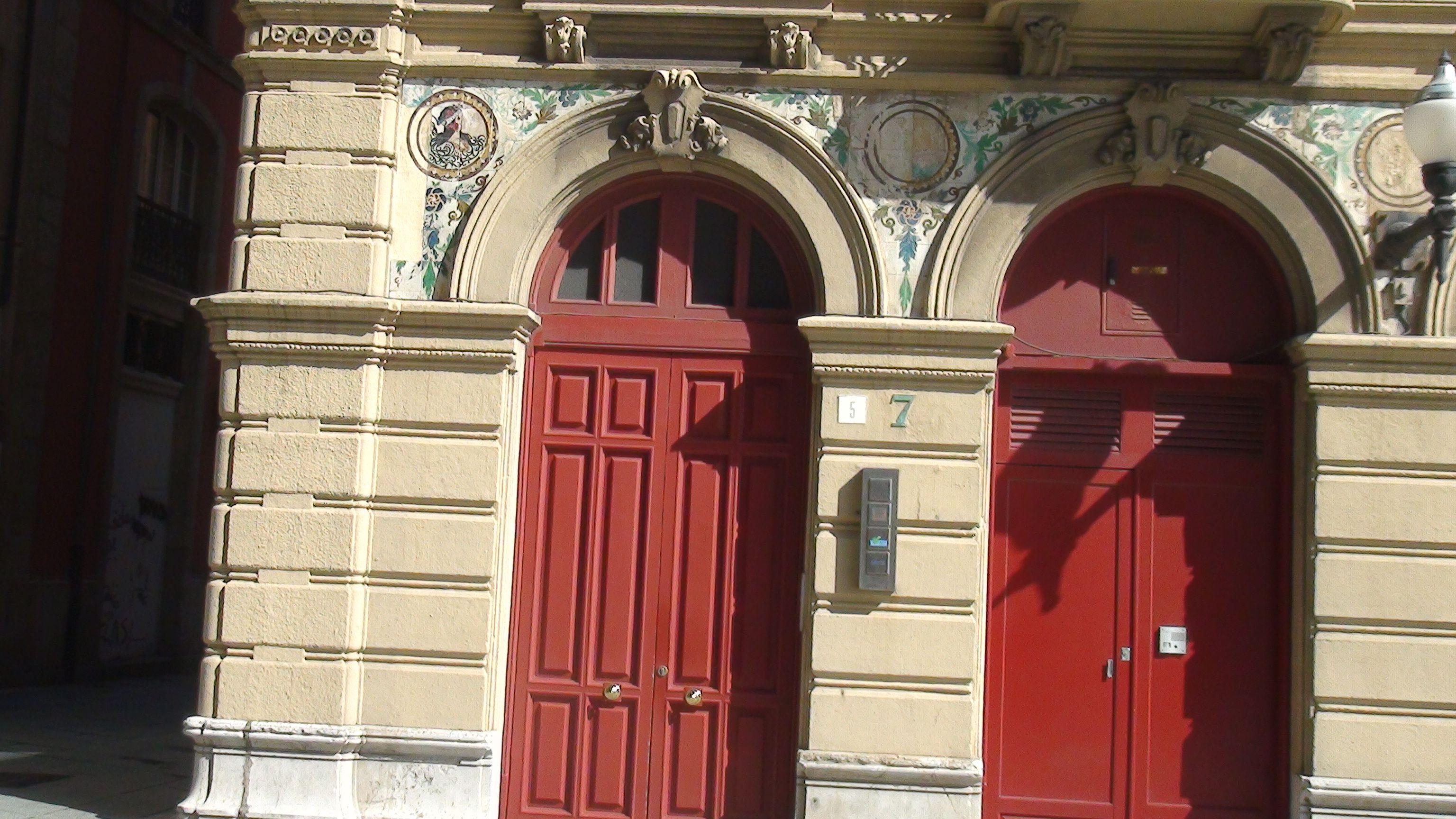 Cabrales 18 puertas de entrada edificios de gij n - Puertas exterior asturias ...