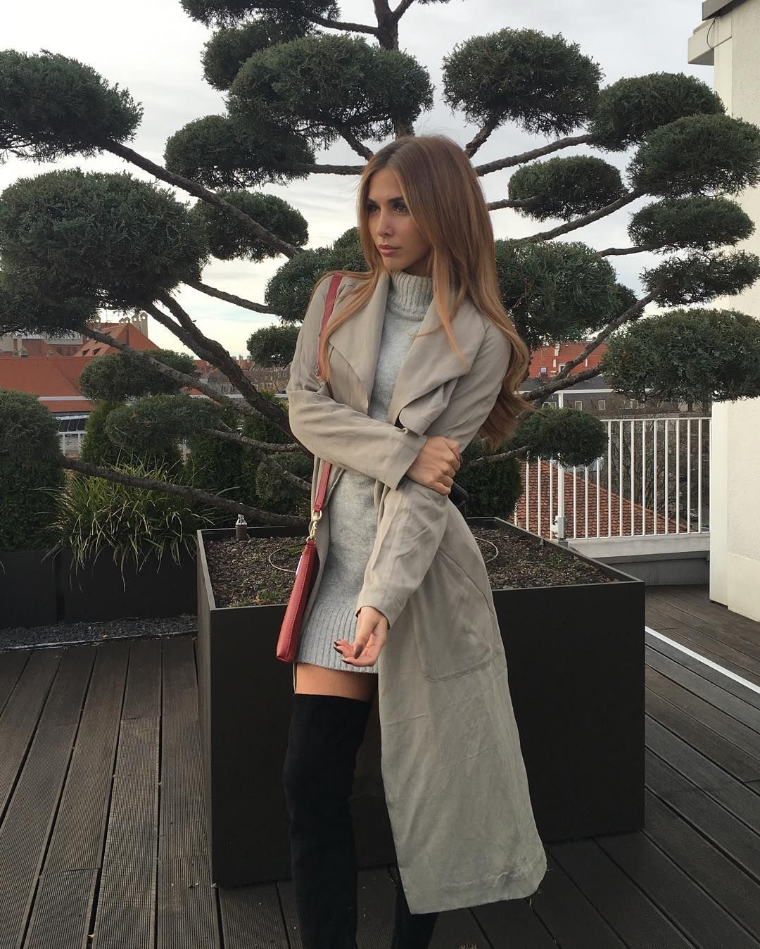 Annkathrin Vida Brommel On Instagram Here S A Pre Christmas Gift For You Win A 200 Voucher Of Www Edited De And Create The Same Frau Frauen Frisuren Outfit