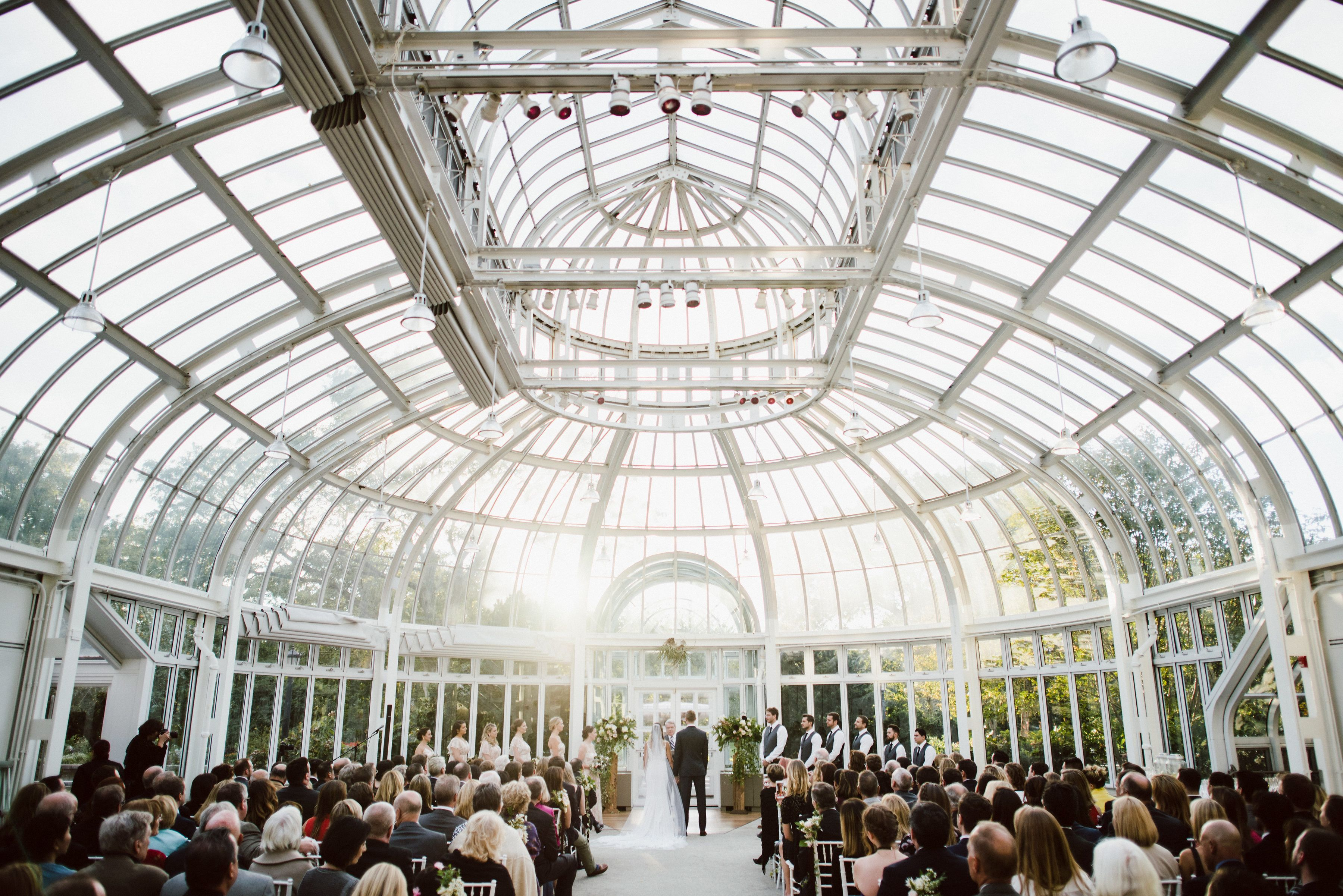 The Palm House Is A Gorgeous Setting For A Winter Ceremony At Brooklyn Bo Brooklyn Botanical Garden Wedding Brooklyn Botanical Garden Botanical Gardens Wedding
