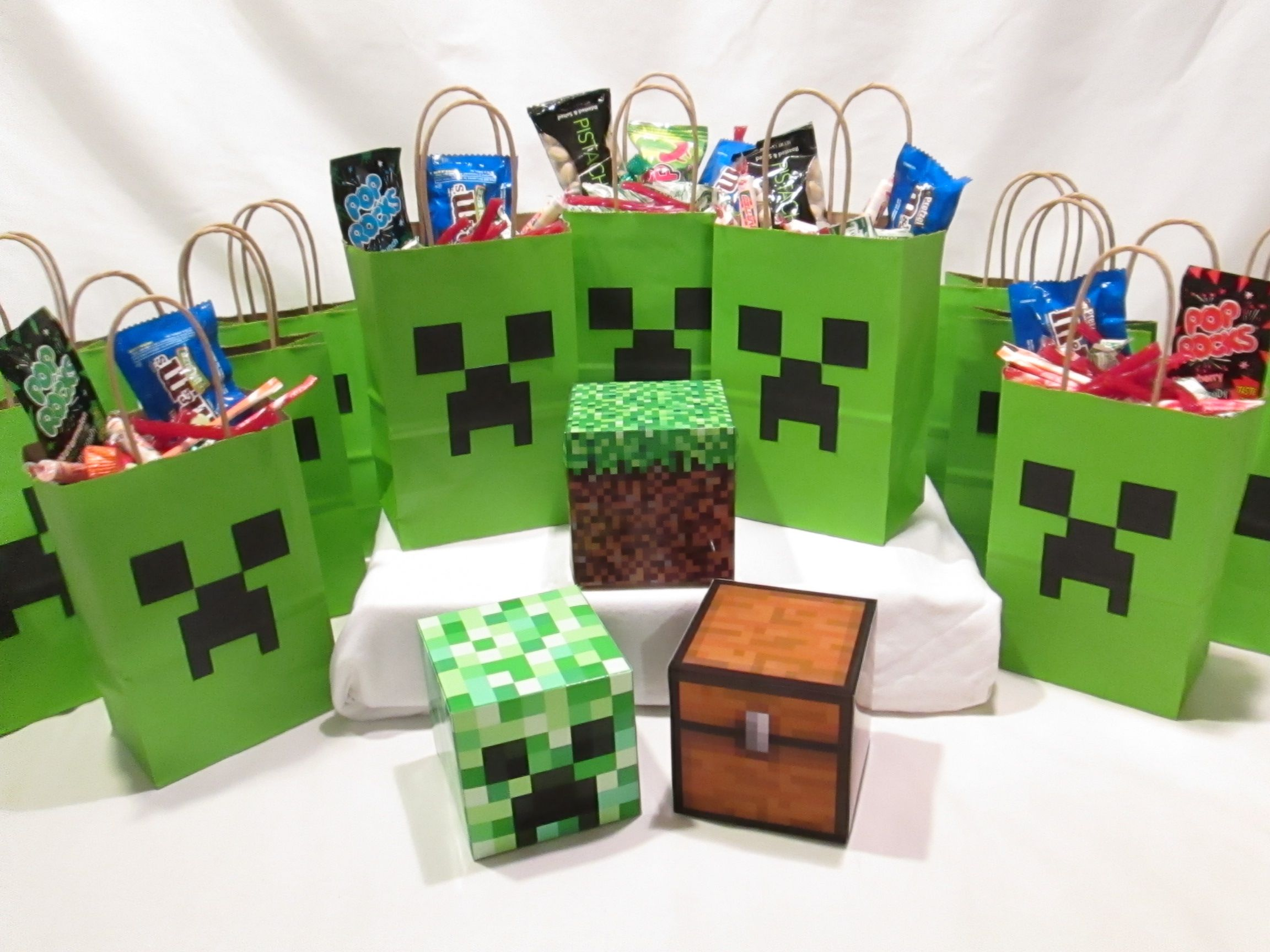Treasure Chest Decorations Minecraft Party Decorations 12 Creeper Bags And 3 Solid Table