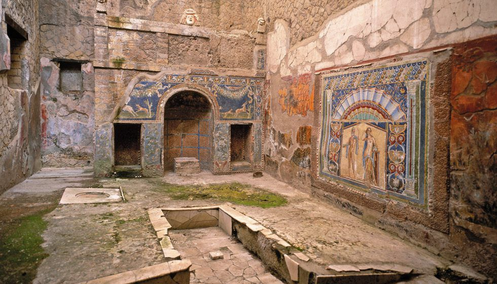 Summer triclinum of the House of Neptune and Amphitrite. Herculaneum.