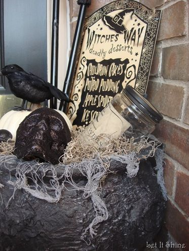 fun porch display ...tutorial on distressing and aging a cauldron