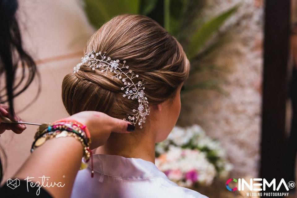 Boda Carmita Méndez & Alejandro Herrera  Fotografía: Cinema HD  Maquillaje y peinado de la novia: El Salón Café  #wedding #boda #hairstyle #peinado #weddingday #Merida #Yucatan #Mexico