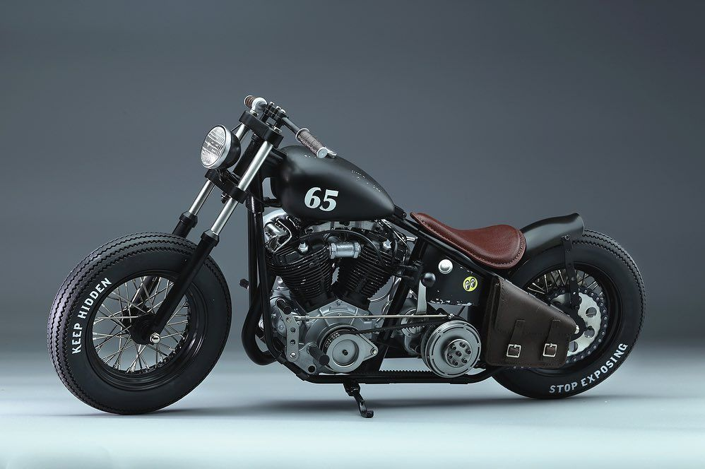 His Is A 1 6 Scale Custom Motorcycle Of Bobber Style The Motorcycle Is Equipped With A Harley Davidson Knu Bobber Style Harley Davidson Knucklehead Motorcycle