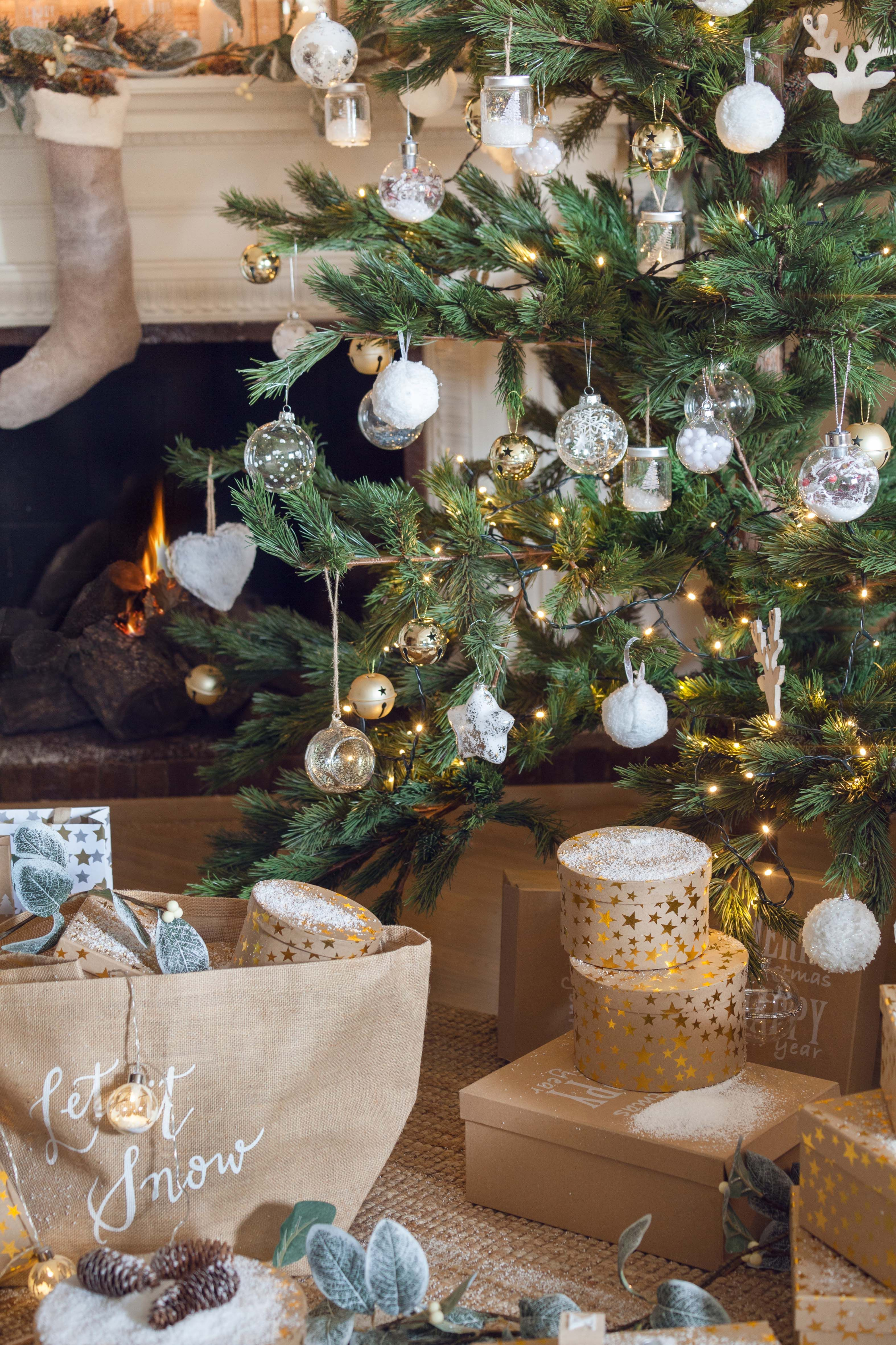 Blanco Plata Y Oro Para árboles Elegantes Muymucho árbol Navidad Bolas Cascabeles Oro P Decoracion Arbol De Navidad Decoracion Navidad Arbol De Navidad