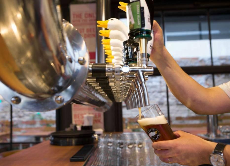 Cultuada cervejaria de Chicago abre brewpub em SP