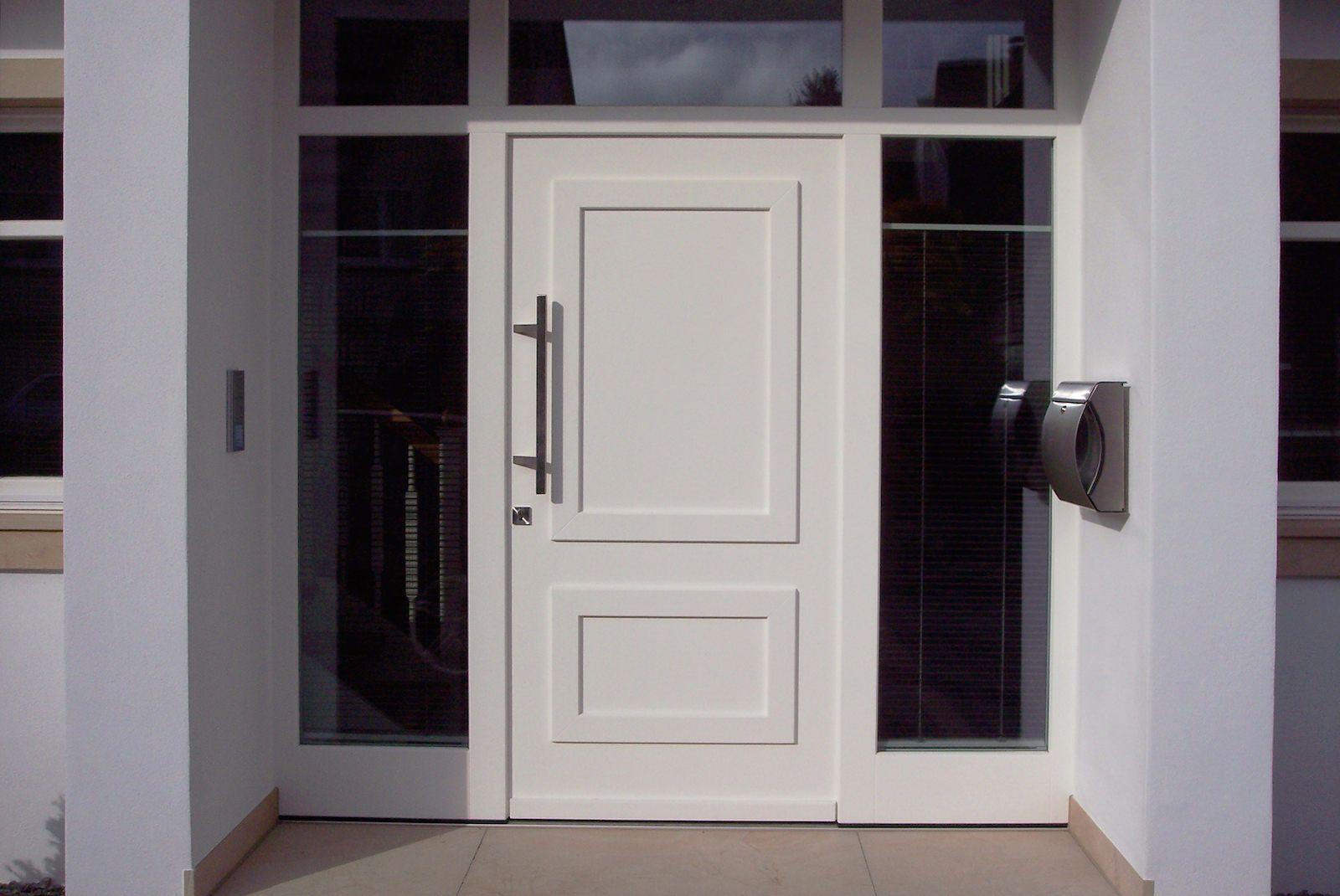 tischlerei neumann haust r aus holz seitenteil und oberlicht eingang pinterest. Black Bedroom Furniture Sets. Home Design Ideas
