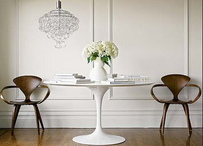 Tulip table by Knoll. Find it in Terraza Balear. Polígono Son Bugadelles, Calle de las Islas Baleares, 18. +34 971 698 258