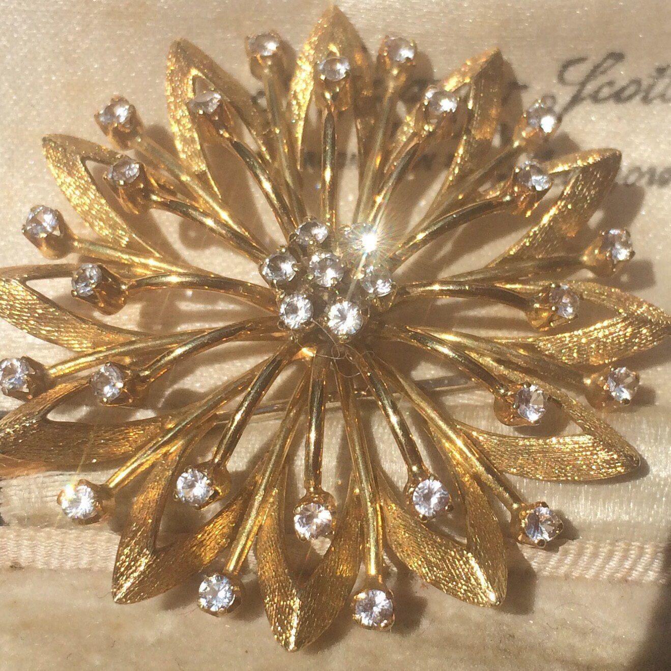 Brooch Gold Vintage