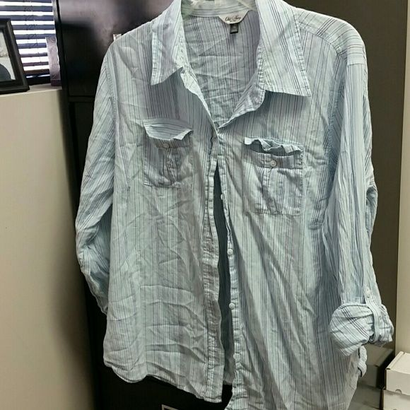 Old navy button up Light blue and navy button up. Soft and has buttons to roll up sleeves Old Navy Tops Button Down Shirts