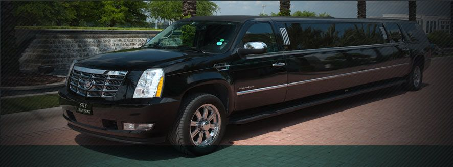 Orlando Limo Services Is Considered One Of The Best Options As A Means Of Transportation On The Night Of Prom Orlando Limo Ser Limo Rental Limo Limousine