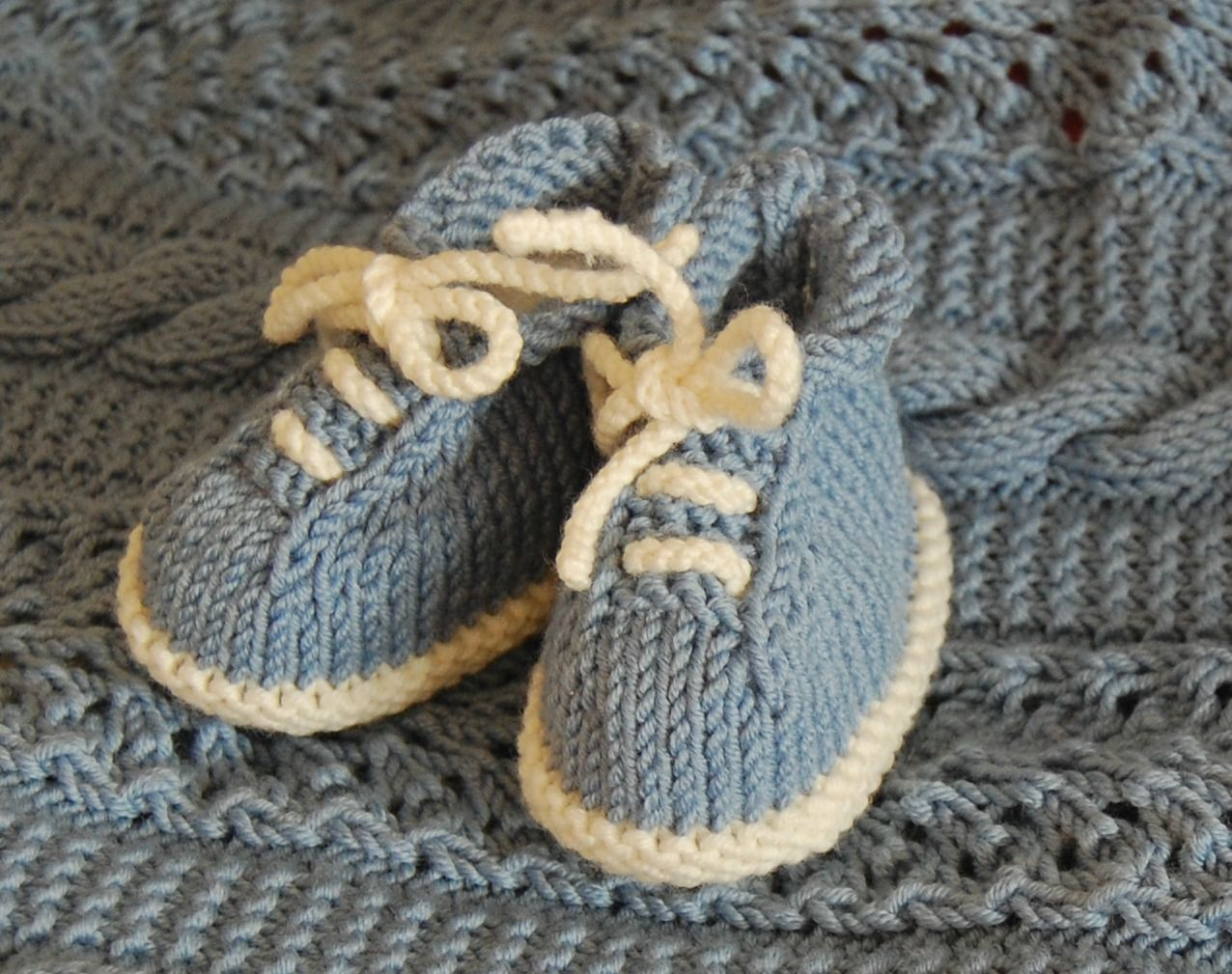 37202c4174f5 Tiny Tennis Shoes pattern by Janet Tamargo